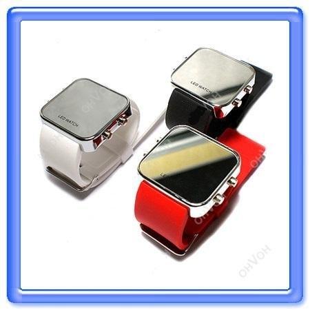 e8b940f63fbd Predám športové LED hodinky so zrkadlovým efektom - dvojnásobný úžitok   hodinky + zrkadielko vždy poruke